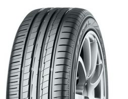 Yokohama BLU Earth AE50 215/50 R18 92V