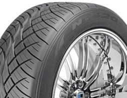 Nitto Tire NT 420S 225/65 R17 106V